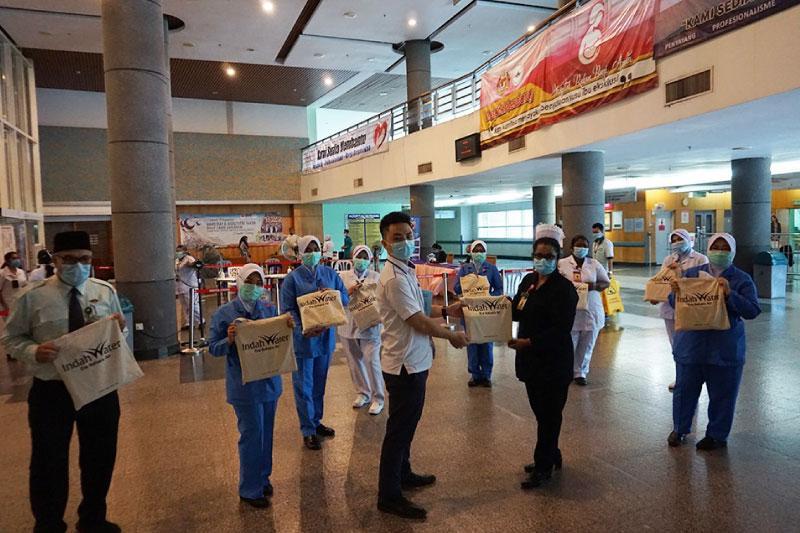 Sumbangan Juadah Hari Raya Kepada Hospital Serdang